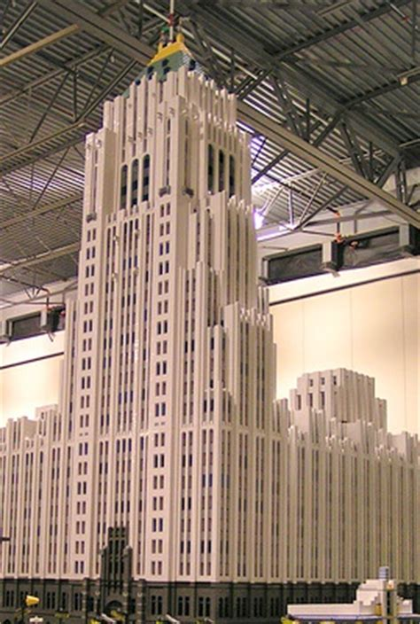 20 Famous Skyscrapers Reproduced in Lego - Beetham Tower