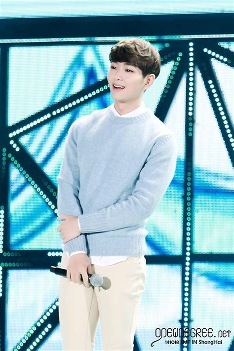 【HQ】 141018 SM TOWN in 上海 ① - ONEW's Room
